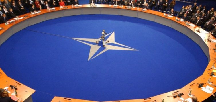 Полторак: У НАТО наполягають на якнайшвидшому вступі України в Альянс
