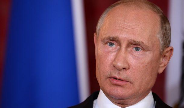 """Політолог розповів, як зупинити Путіна, який """"скрізь суне свій ніс"""""""