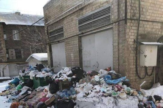 Оккупированный Донецк утопает в мусоре и нечистотах