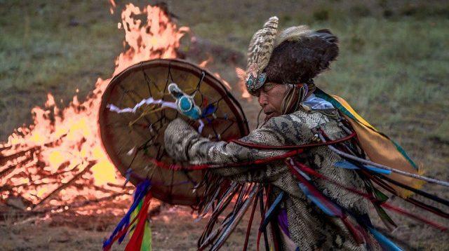 Щоб укріпити РФ сибірські шамани спалили п'ять верблюдів. ВІДЕО