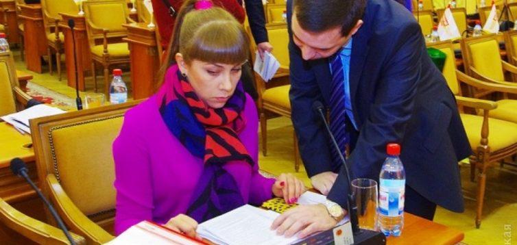 В Одесі 35-річна депутат отримала нагороду за виведення військ з Афганістану