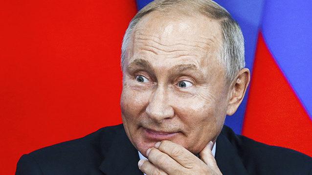 """Путін знову заявив про """"братню"""" Україну і відновлення відносин"""