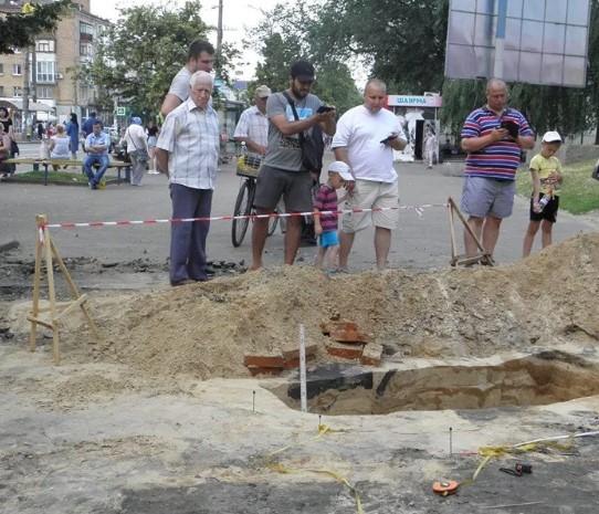 У Чернігові знайшли поховання часів Київської Русі: опубліковано фото