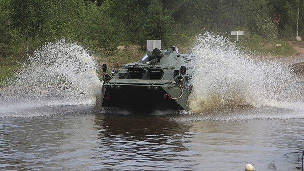 У Росії під час навчань втопили БТР з військовослужбовцем