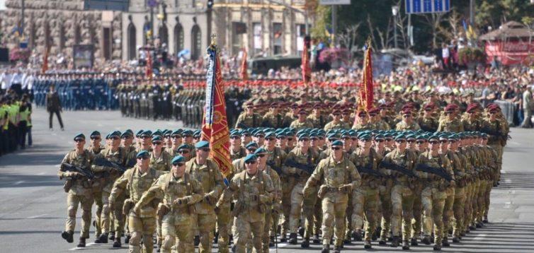 """""""На парад прийде пара калік"""": економіст образив воїнів ООС в прямому ефірі"""