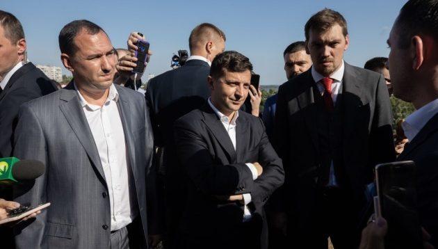 Зеленський у Запоріжжі не впізнав кандидата від своєї партії. ВІДЕО