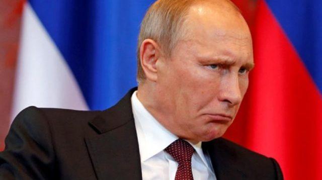 """Грузинський ведучий під час ефіру обматюкав Путіна """"з ніг до голови"""". ВІДЕО 18+"""