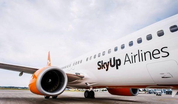 Истица к SkyUp в суде пытается заблокировать возвращение лицензии авиаперевозчику