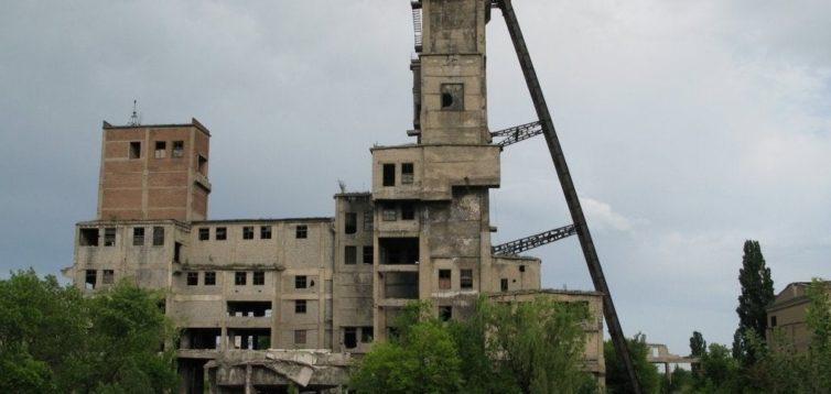 На окупованому Донбасі закриють половину діючих шахт – майже 30 тис. гірників звільнять