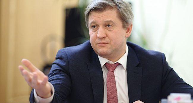 Волонтер розповіла, що Данилюк пішов у відставку після дивного візиту до поранених українських військових