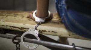 """""""Переломи обох рук, та розірвана селезінка"""": на Закарпатті поліція катувала АТОшника. ВІДЕО"""