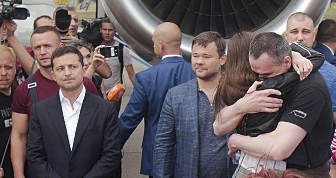 Зеленский в аеропорту похвалив Путіна
