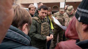 Мітингувальниці у Золотому, які просили Зеленського про розведення сил, виявились громадянками РФ