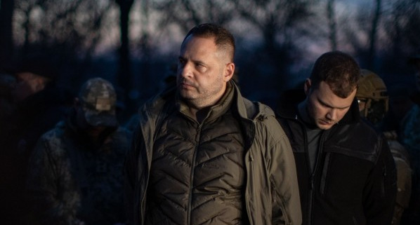 Єрмак заявив, що Україна готова змінити Конституцію, щоб надати ОРДЛО особливі умови