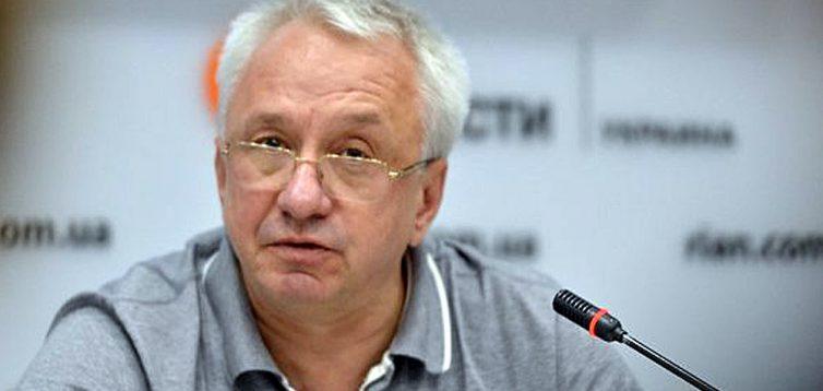Ключевые должности в стране захватили идиоты, — Кучеренко