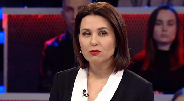 Волонтер відповів телеведучій Мосейчук: вибрала гроші, а не Україну, тому сиди і не ний