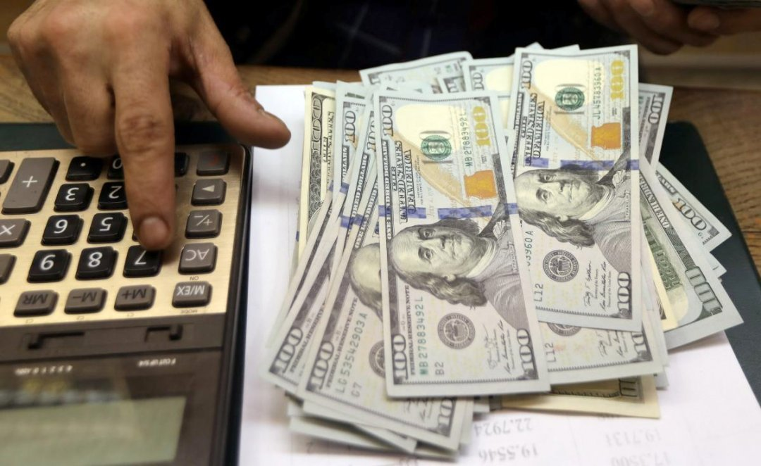 Зачем следить за курсом доллара в Киеве