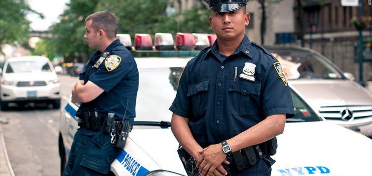 Полиция США попросила преступников не совершать преступления на период пандемии