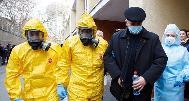 """Чоловік, який повернувся з Польщі, заявив, що не буде себе обмежувати, оскільки """"коронавірус проблема літніх"""". ВІДЕО"""