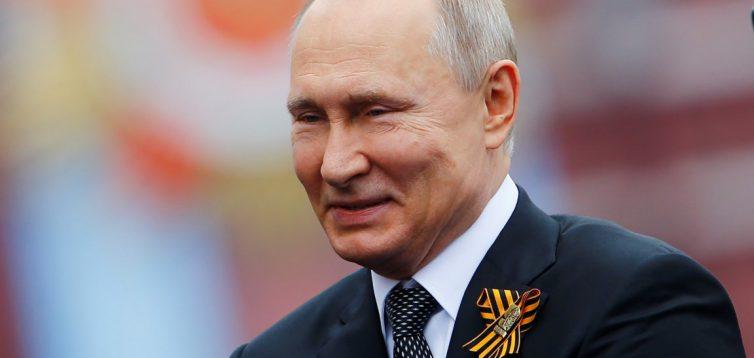 """Чи зможе Україна завадити """"підступному плану"""" Путіна на 9 травня?"""