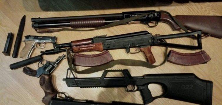 Генерал пояснив чому українцям не можна давати дозвіл на зброю для самозахисту. Відео