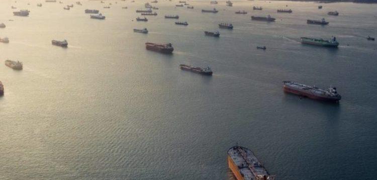 Ніде розвантажити нафту: Біля узбережжя Каліфорнії скупчились десятки танкерів