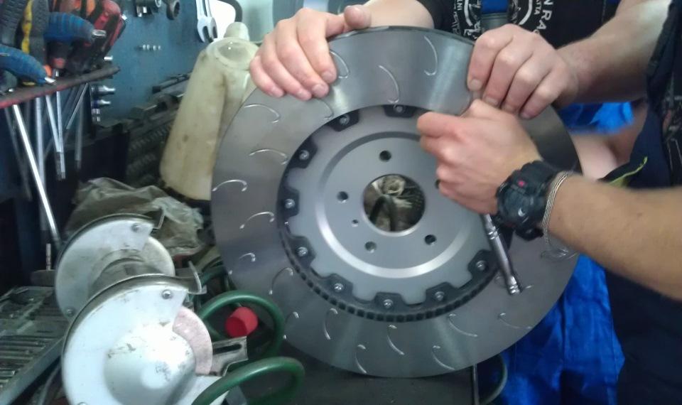 Как выбрать тормозные диски на авто Nissan