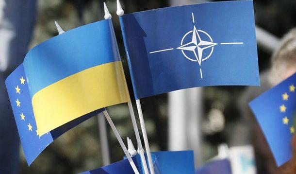 Петро Порошенко: Нинішня влада віддаляє членство України в ЄС і НАТО