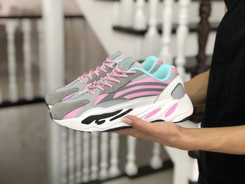Женские кроссовки Adidas Yeezy Boost 700 и их преимущества