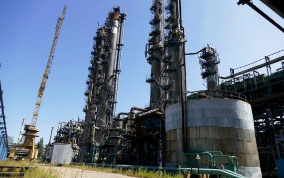 """Терористи знищують хімічний завод """"Стирол""""- люди в паніці"""