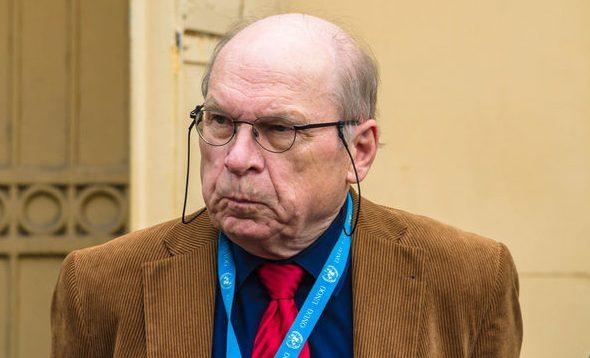 Представник ОБСЄ Тоні Фріш, який раніше обіймався з представниками терористів, зірвав обмін полоненими