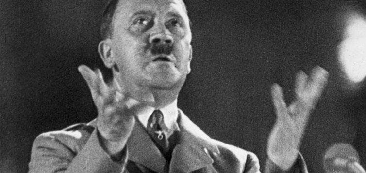 В Росії Гітлера зробили ветераном і тезкою Путіна