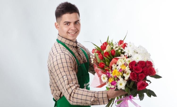 Преимущества доставки цветов по Украине
