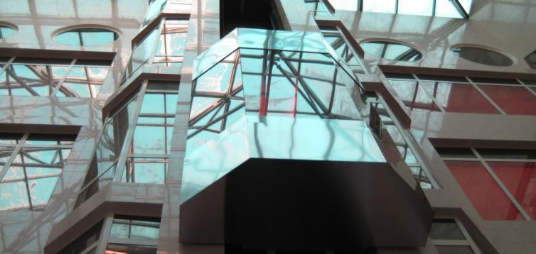 (Рус) Как панорамный лифт повышает продажи в торговых центрах
