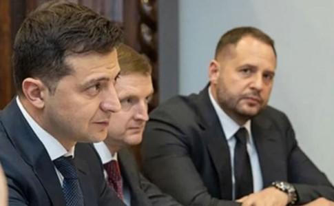 Офіцерів зовнішньої розвідки звільнили за викриття співпраці Єрмака зі спецслужбами РФ