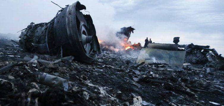 """Фрагменти російського """"Бука"""" в тілах збитого Boeing MH17 тепер, доведений факт"""