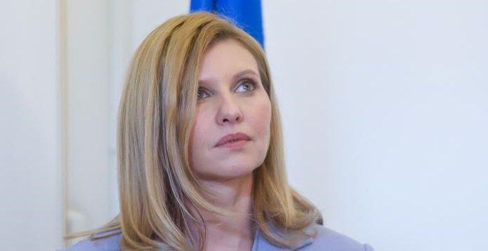 Хвора на COVID-19 Олена Зеленська звернулась до медиків