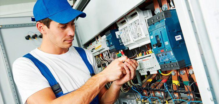 (Рус) Преимущества вызова электрика на дом и офиис