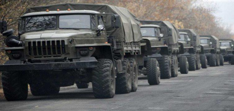 Россия стягивает на оккупированные территории Украины тяжелую технику и вооружения, — штаб ООС
