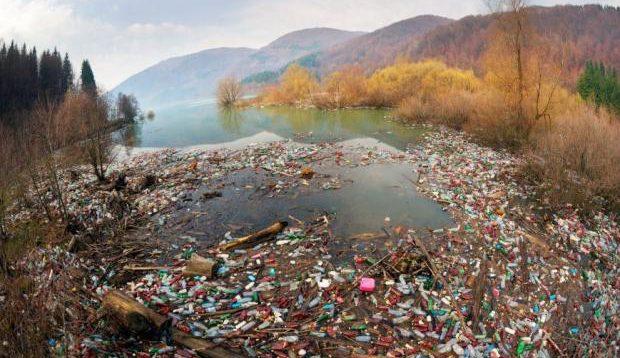 Президент Угорщини закликав Зеленського зупинити забруднення карпатських річок