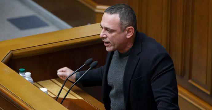 """""""Слуги народу"""" пропонують ВР розглянути """"мовний"""" законопроект Бужанського"""