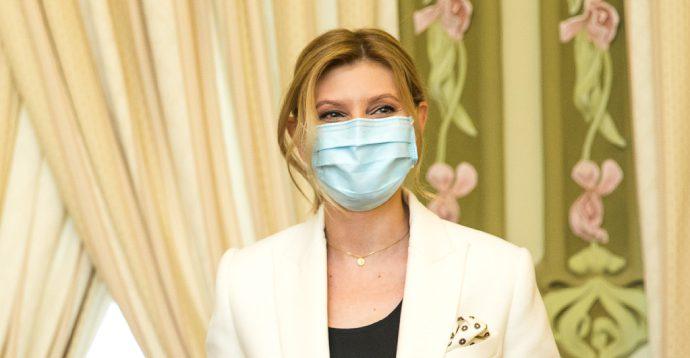 ОП: Олена Зеленська вилікувалась від коронавіруса