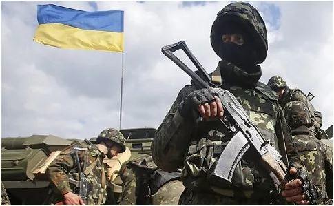 «Зеленский дает всем понять, что воевать за страну- плохо, хорошо- быть террористом», — Доник