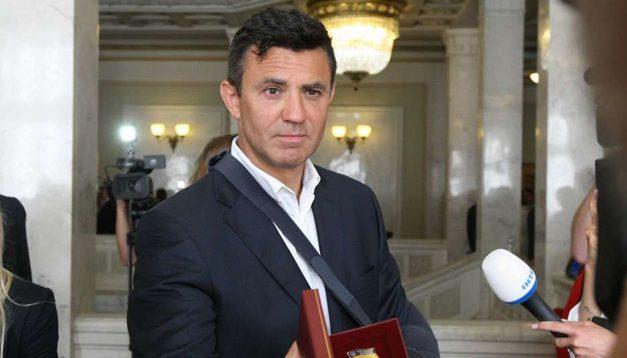 """Тищенко відмовився коментувати роботу """"Велюру"""" в час карантину: """"Ще є питання?"""". Відео"""