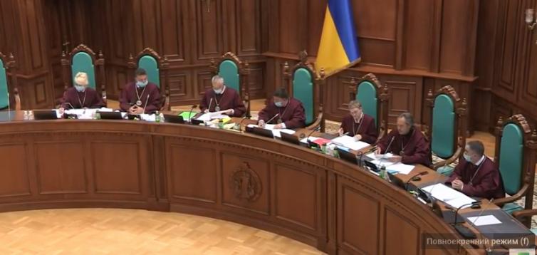 При розгляді мовного закону, суддя звинуватив екс-нардепа в цитуванні воєнної доктрини Путіна