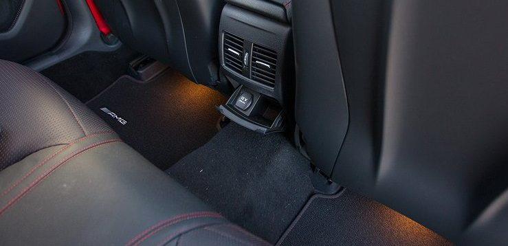 (Рус) Как защитить пол в салоне машины: подбираем автоковрики
