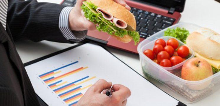 ВООЗ розробили ідеальну дієту для офісного працівника