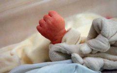 В Бейруті жінка народила дитину одразу після вибуху: вражаючі кадри