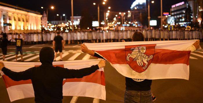 У кількох містах Білорусі силовики опустили щити,- ЗМІ