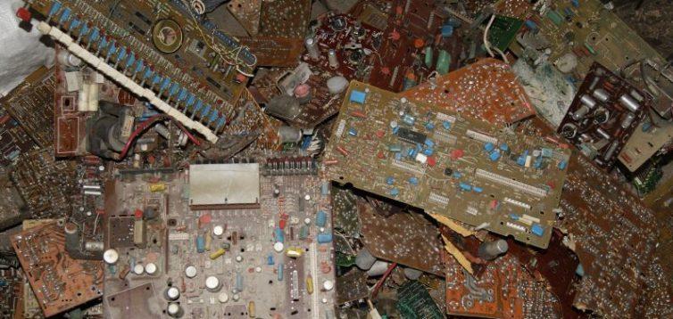 (Рус) Утилизация старых радиодеталей – кому это выгодно